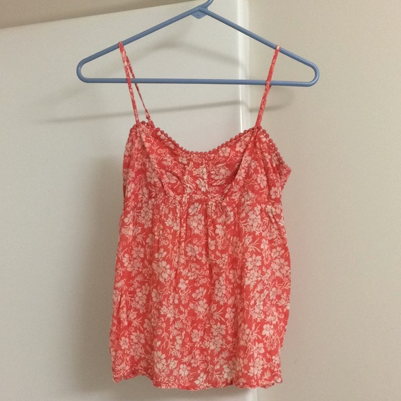 Old Navy Tops - Lightweight floral tank top
